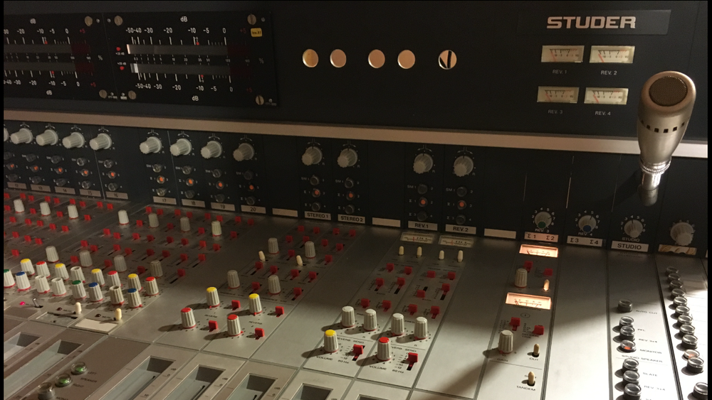 Studer 189 MK II Broadcast console circa 1978   Class A, Discrete Console, hand built, with transformers on every channel, X 2 Pye Style compressors, EMT Plate Reveb control, A800 Transport control, and even X 2 Studer 40 W Mono Amps to drive Studio Yamaha NS10's. A True class sound ideal for Summing & tracking with world class pre Amps, up there with Neve, Api and SSL. Made in Switzerland