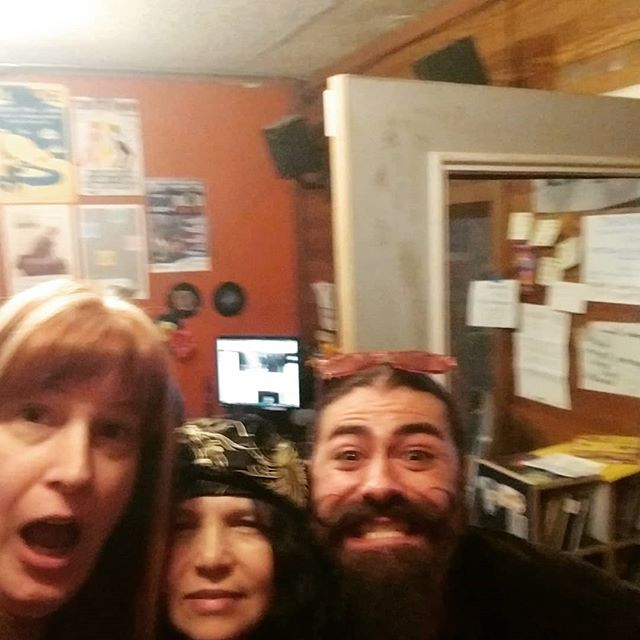 About to be on the air at 104.9 and hollowearthradio.org .... Dana, Michelle, Roxanne, Baretoe, and Chanall.... Who have also been in our studio many times .. feels almost like a reunion :)