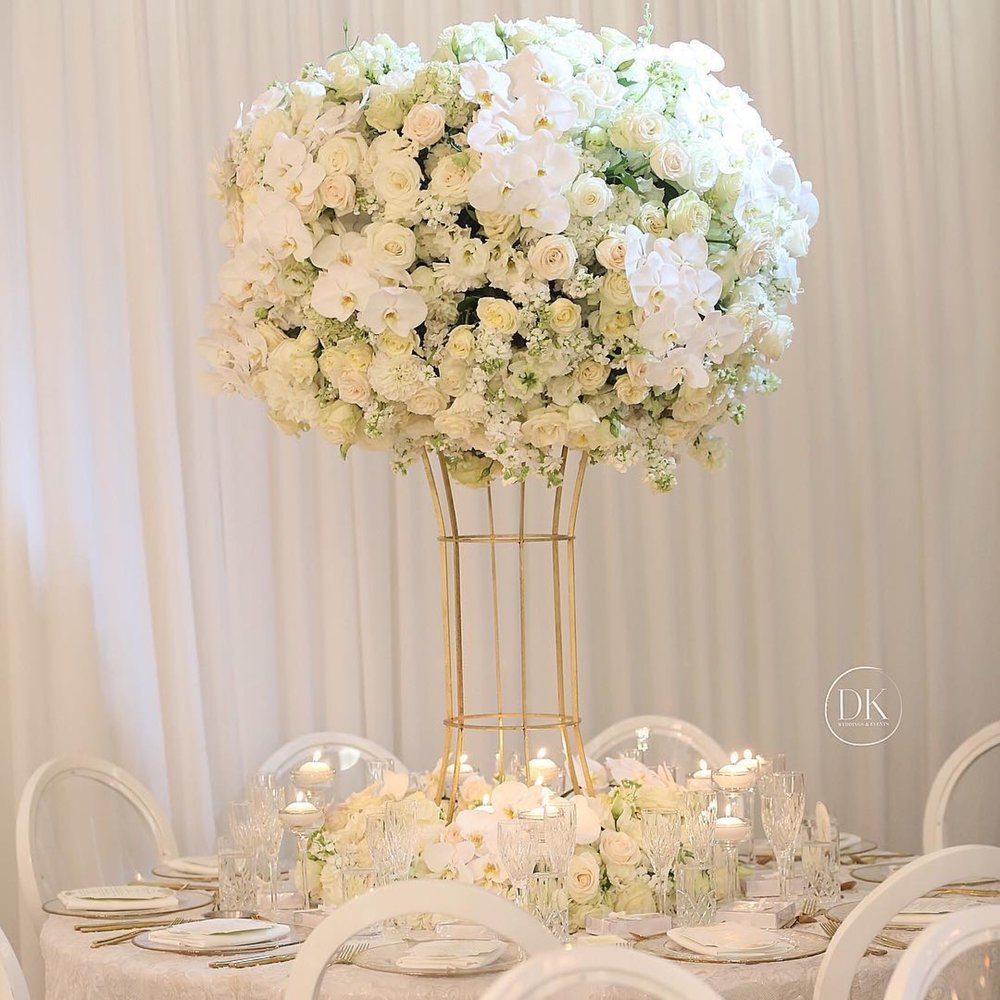 white_windsor_luxury_linen_hire_weddings_events.jpeg