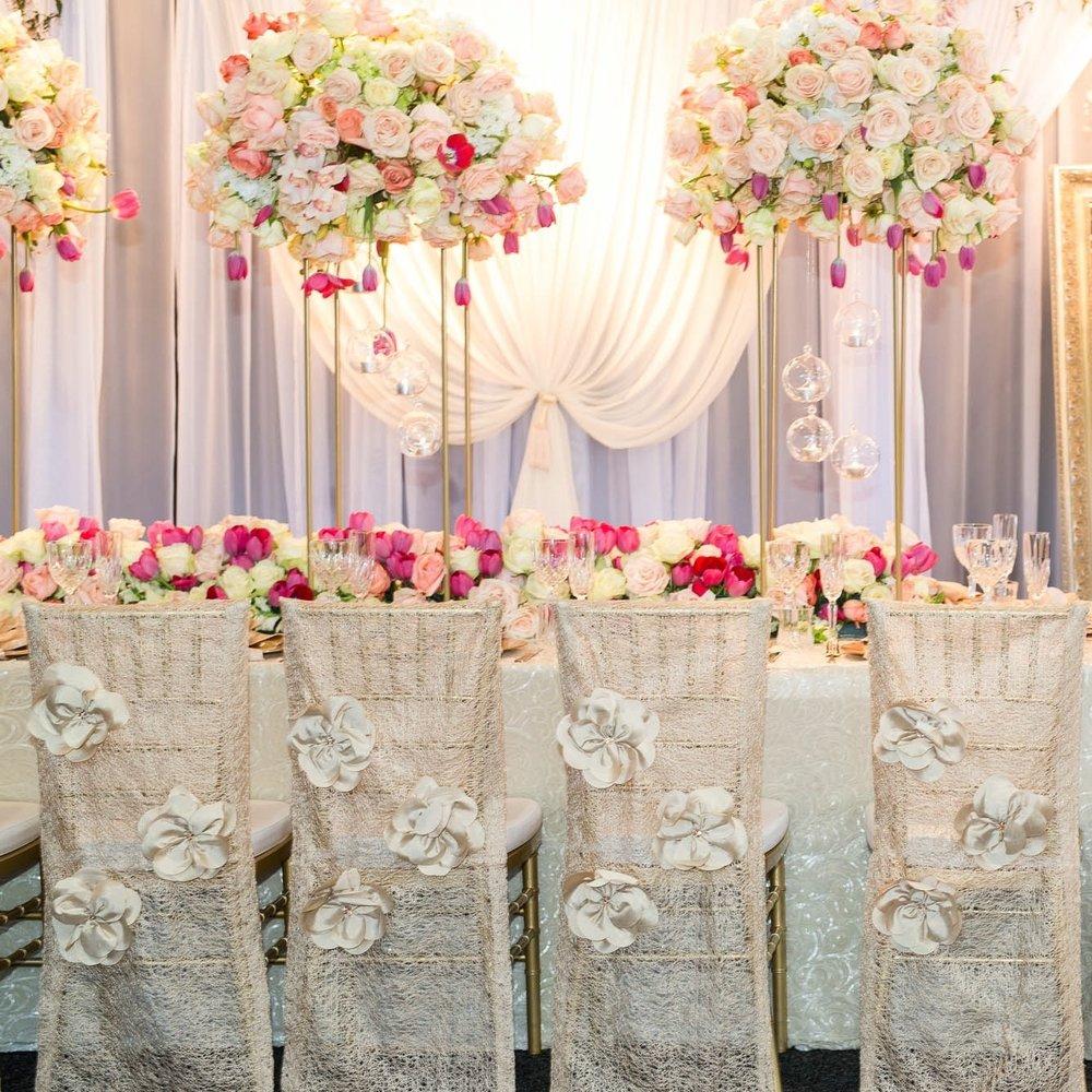 wedding_backdrop_pink_wedding_flowers.jpg
