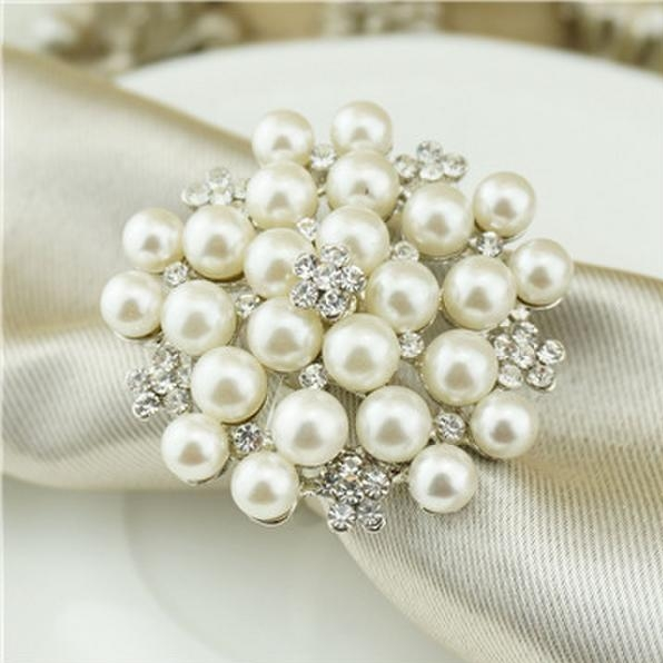 Front_Photo_pearl_napkin_ring.jpg