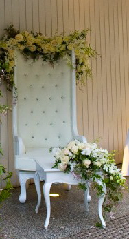 queen_king_chairs_sydney_weddings_hire.jpg