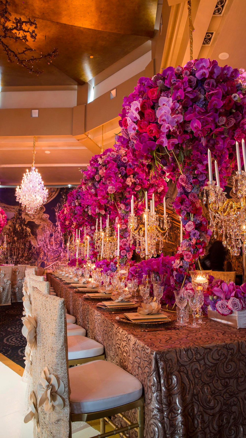 karen_tran_luxury_linen_flowers_centrepiece_wedding.jpg