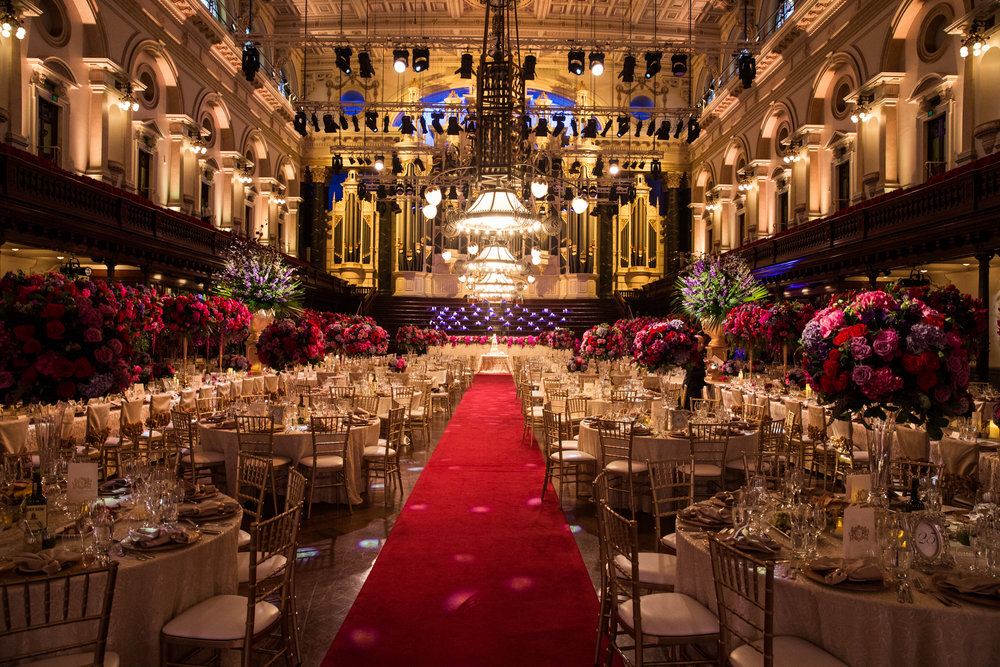 town_hall_sydney_wedding_royal_gold_red_carpet_luxury_linen.jpg