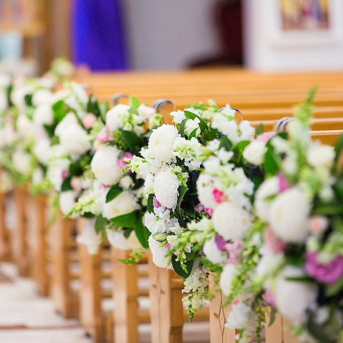 fresh_floral_ceremony_pew_ends_7.jpg