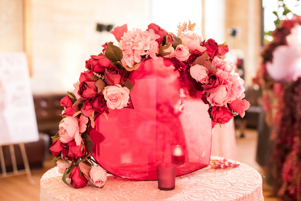 red_heart_prop_acrylic_artificial_flowers_event_design_centrepiece.jpg