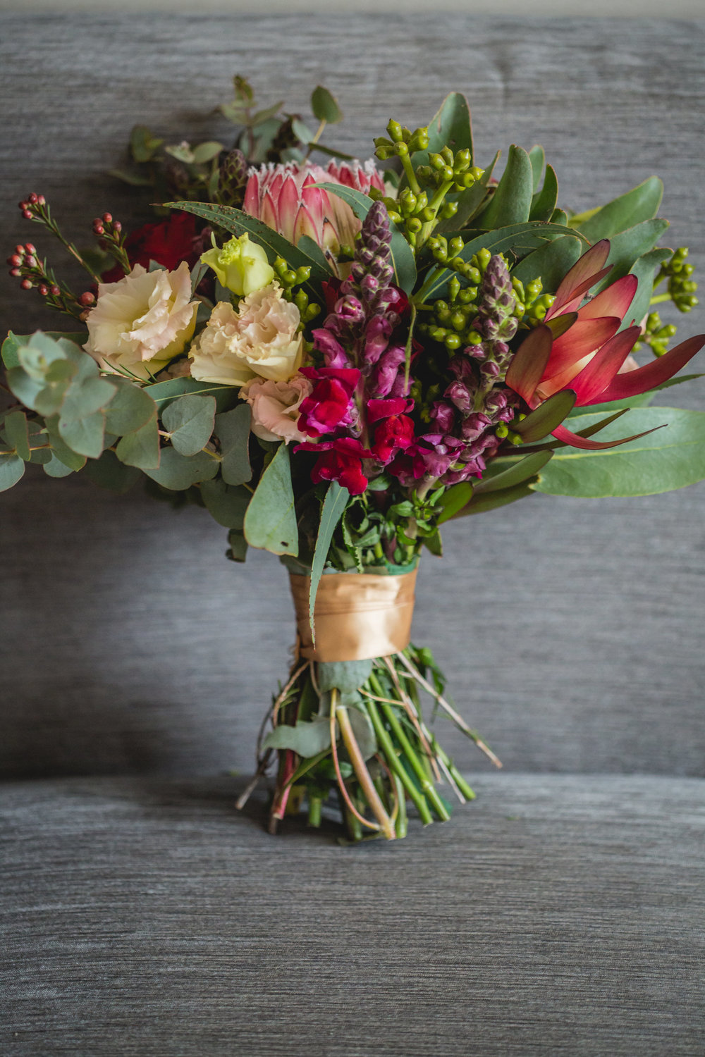 rustic_bride_bouquet_coloured_native.jpg