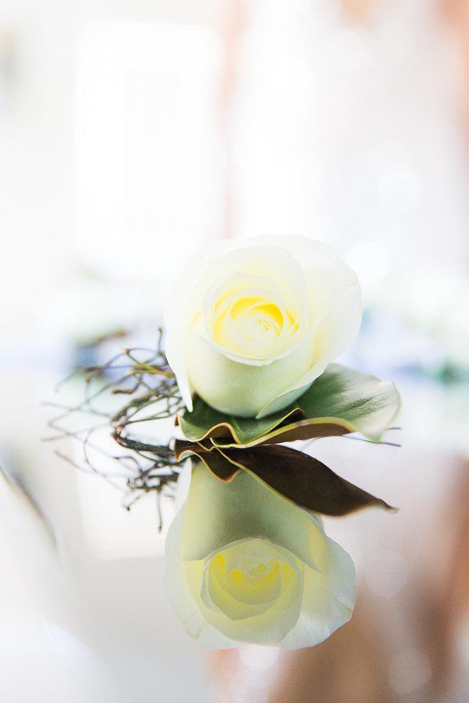 groom_buttonhole_lapel_pin_rose_white.jpg