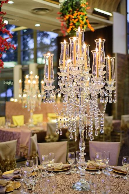 crystal_glass_candelabra_wedding_centrepiece.jpg
