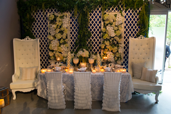 White cushioned king and king chairs - Image 1.jpg
