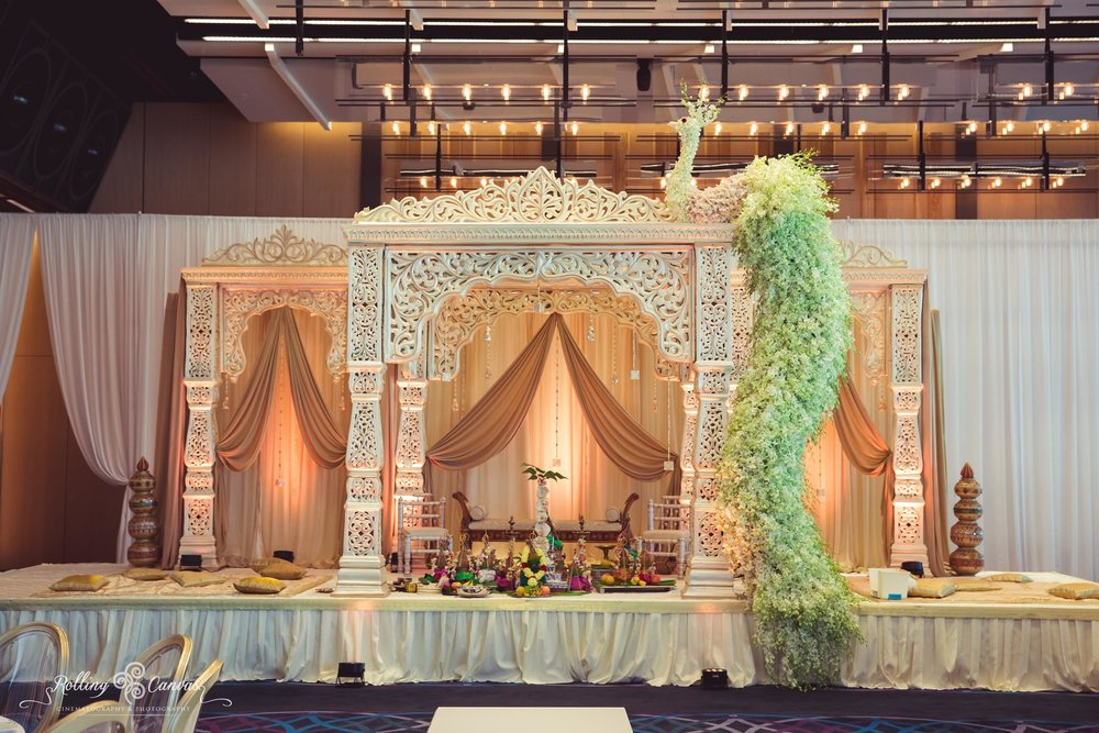 Wedding_Photography_Sydney_Rolling_Canvas_Presentation_Hindu_Ceremony_Mandap_Canopy_Decor_Floral_Design_Hyatt_Regency-57065.jpg