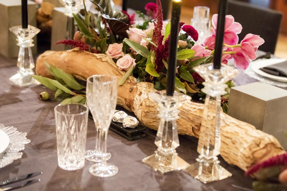 Corporate_dinner_event_design_Sydney_Inlighten_Photography_flowers_charger_plates_black_cutlery_events_by_nadia_3.jpg