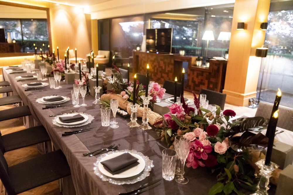 Corporate_dinner_event_design_Sydney_Inlighten_Photography_flowers_charger_plates_black_cutlery_events_by_nadia_6.jpg