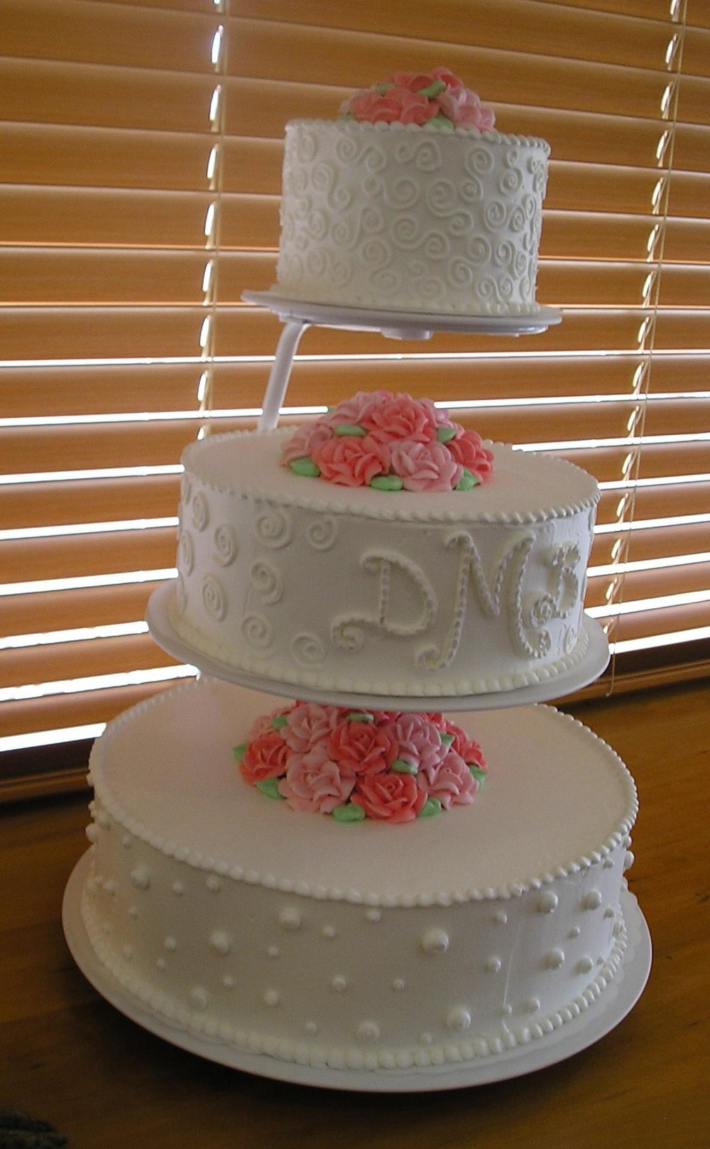 Floating Tier Cake Stand - Rental: $50Refund $25 when returned6