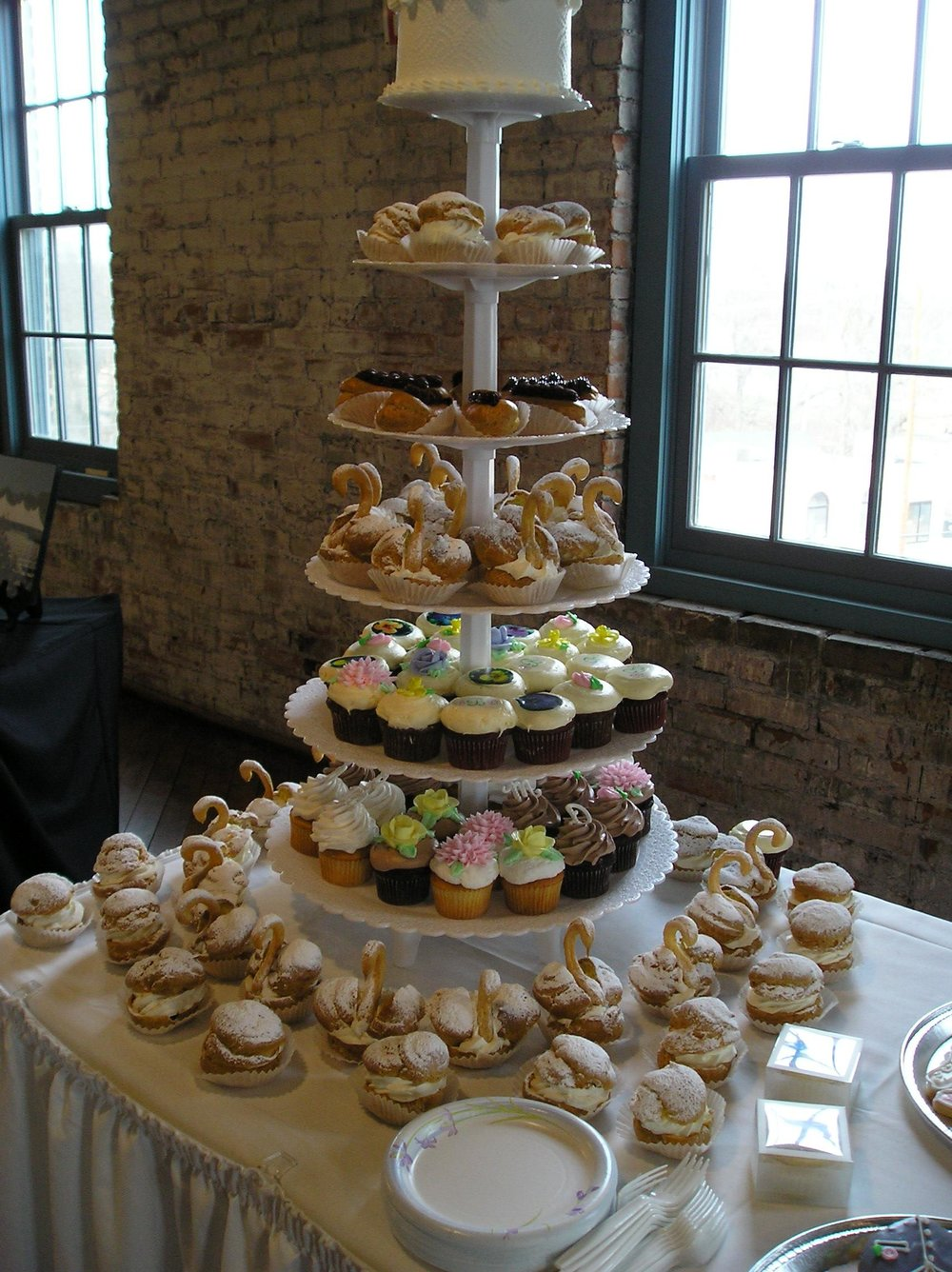 Cupcake Tree - Tree serves up to 96 regular sized cupcakes. More may be added around the base on the table.