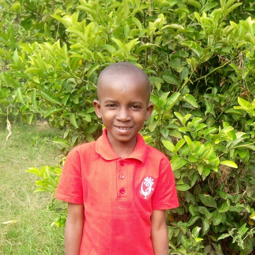 Paskalina - Jambo! Jambo! My name is Paskalina, I am 7 years old. I like eating rice and beans. I enjoy swinging and to learn how to draw pictures. What makes me happy is swinging with friends. I don't enjoy feeling tired When I grow up I would like to become a teacher.