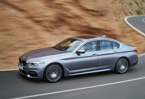 MNOct14_BMW5Series4.jpg