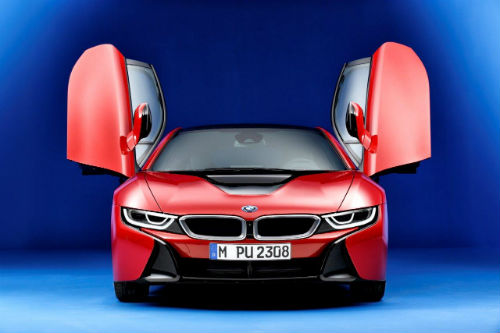 MNSept13_BMWi8red2.jpg