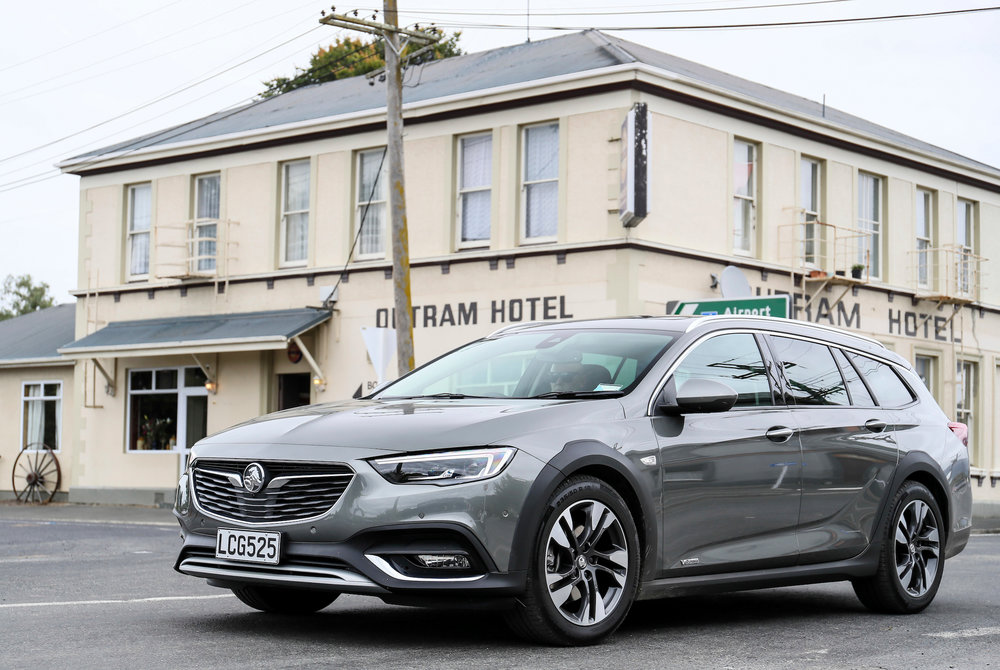 First Drive Holden Commodore Zb How Good The Aussie Euro Motoringnz