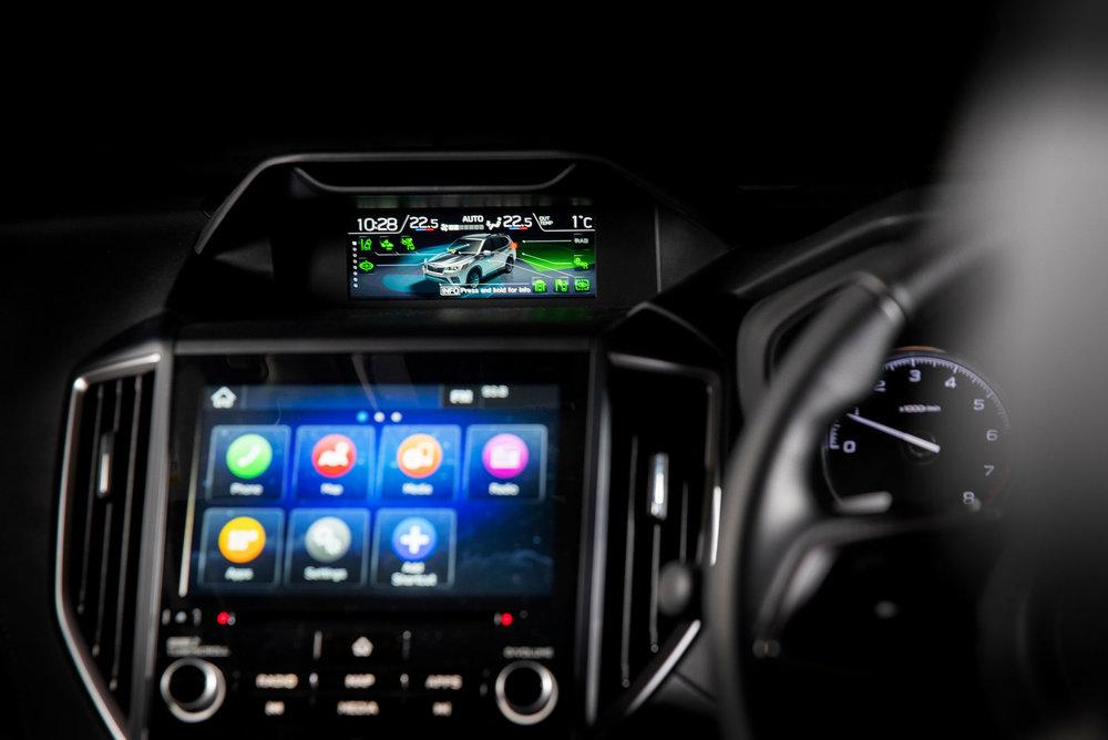 Subaru Forester 2.5 Premium interior LR 14.jpg