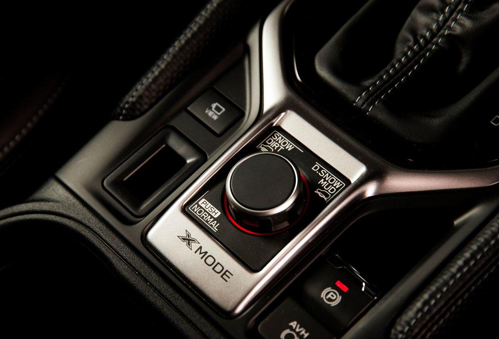 Subaru Forester 2.5 Premium interior LR 17.jpg