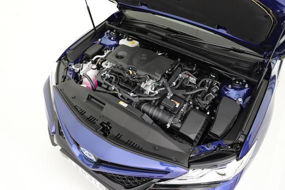 2018 Toyota Camry, ZR hybrid engine, engine bay.jpg