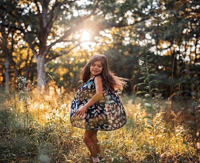 Fall is here! 🍎🍁 #celebratechildhood #thebloomforum #momtogs #inbeautyandchaos #uniteinmotherhood #journeytoartist #liveauthentically #documentlife #connectingmoms #runwildmychild #magical #instagood #childhoodunplugged #candidchildhood #adventuresofchildren #clickinmoms #mom_hub #dearphotographer #clickmagazine #letthekids #letthembelittle #simplychildren #galleryoflightfeature #fall #lightinspired