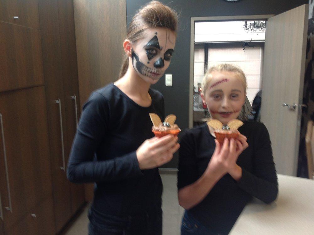 halloween muffin 2.JPG