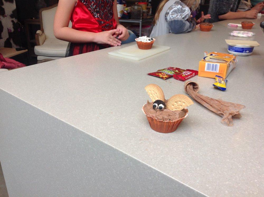 halloween muffin 3.JPG