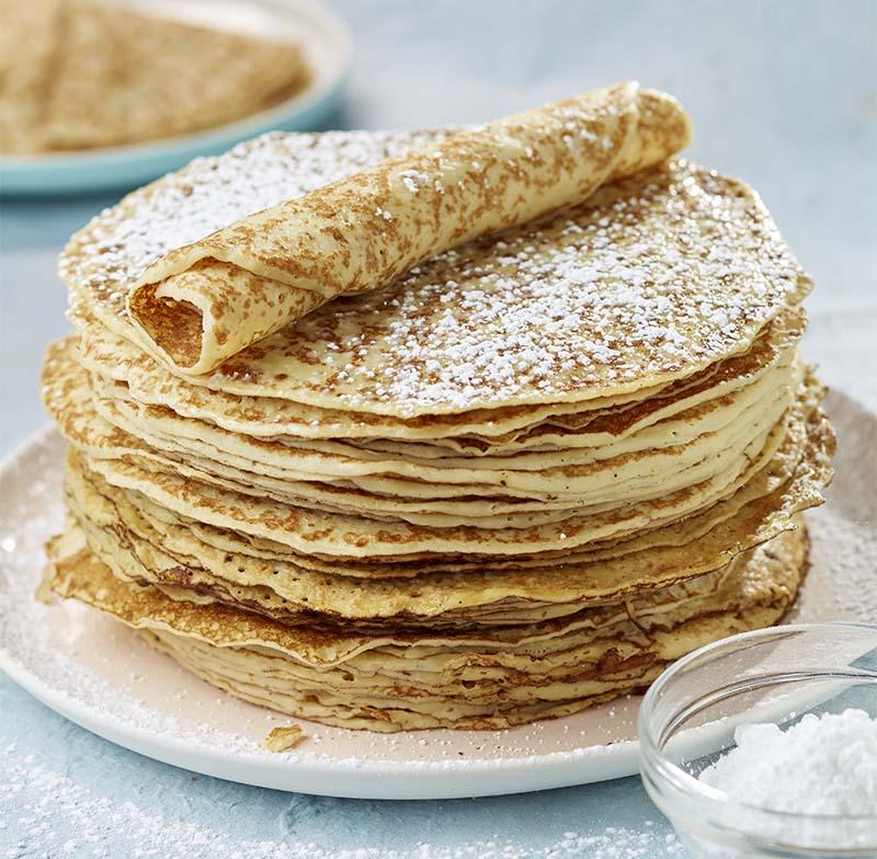 Happy BD Pannekoekentaart- broodjes bak - Verrassing dessertje: creatief met fruit