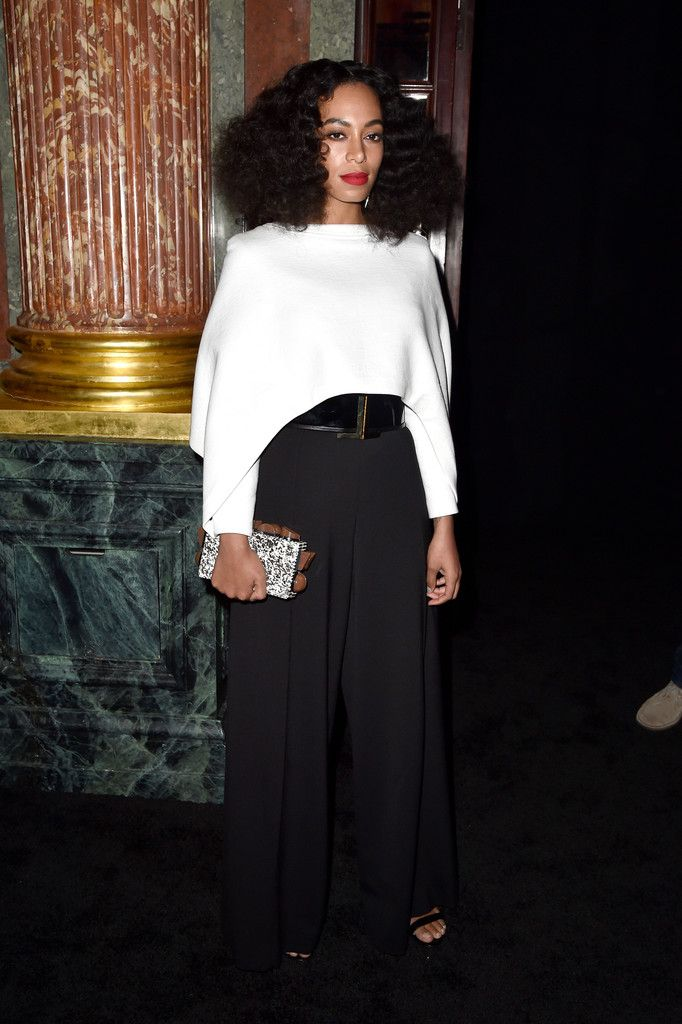 solange-knowles-tutti-frutti-clutch-paris-fashion-week.jpg