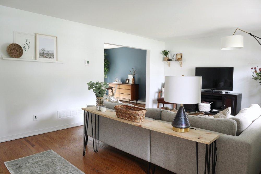 Living_Room_DIY_Console_Table.jpg