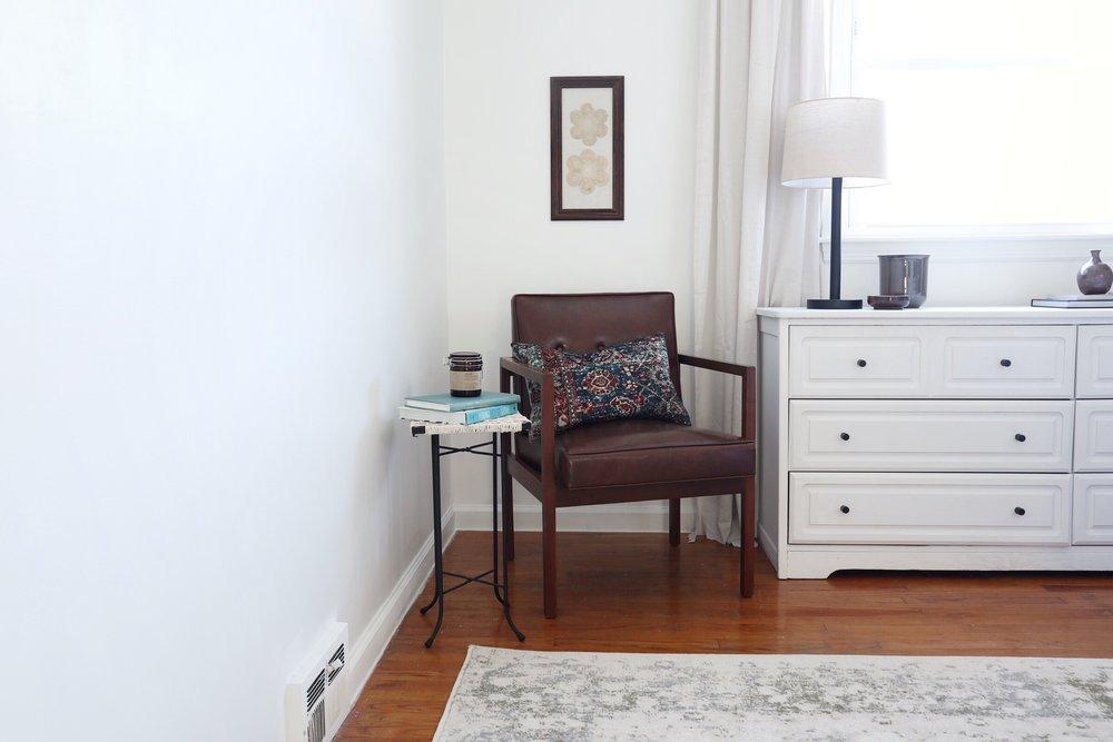 Bedroom+Chair+DIY+Side+Table.jpg
