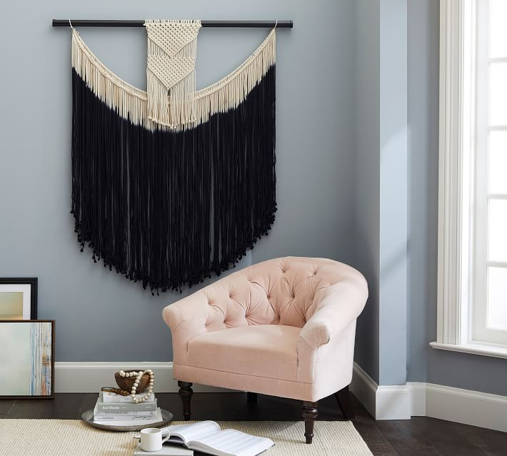 I LOVE HOW THIS  MACRAME  IS STYLED IN A MORE TRADITIONAL ROOM. IT SHOWS THAT MACRAME DOESN't HAVE TO MEAN BOHO.