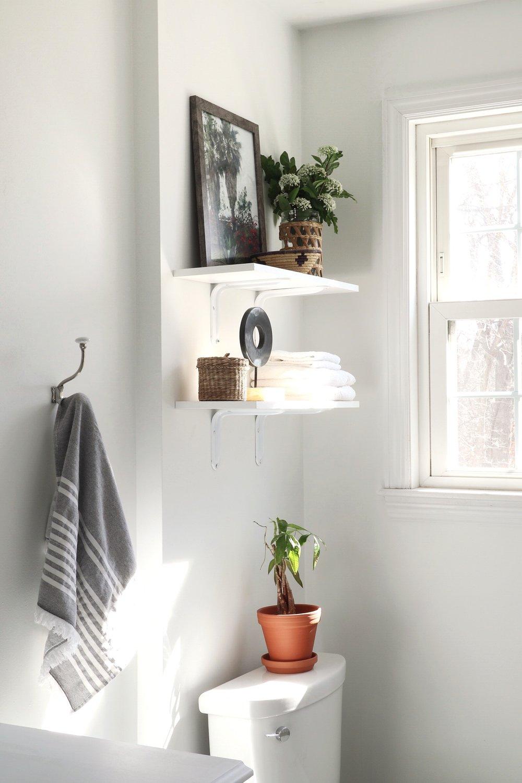 DIY-floating-shelves-bathroom.jpg