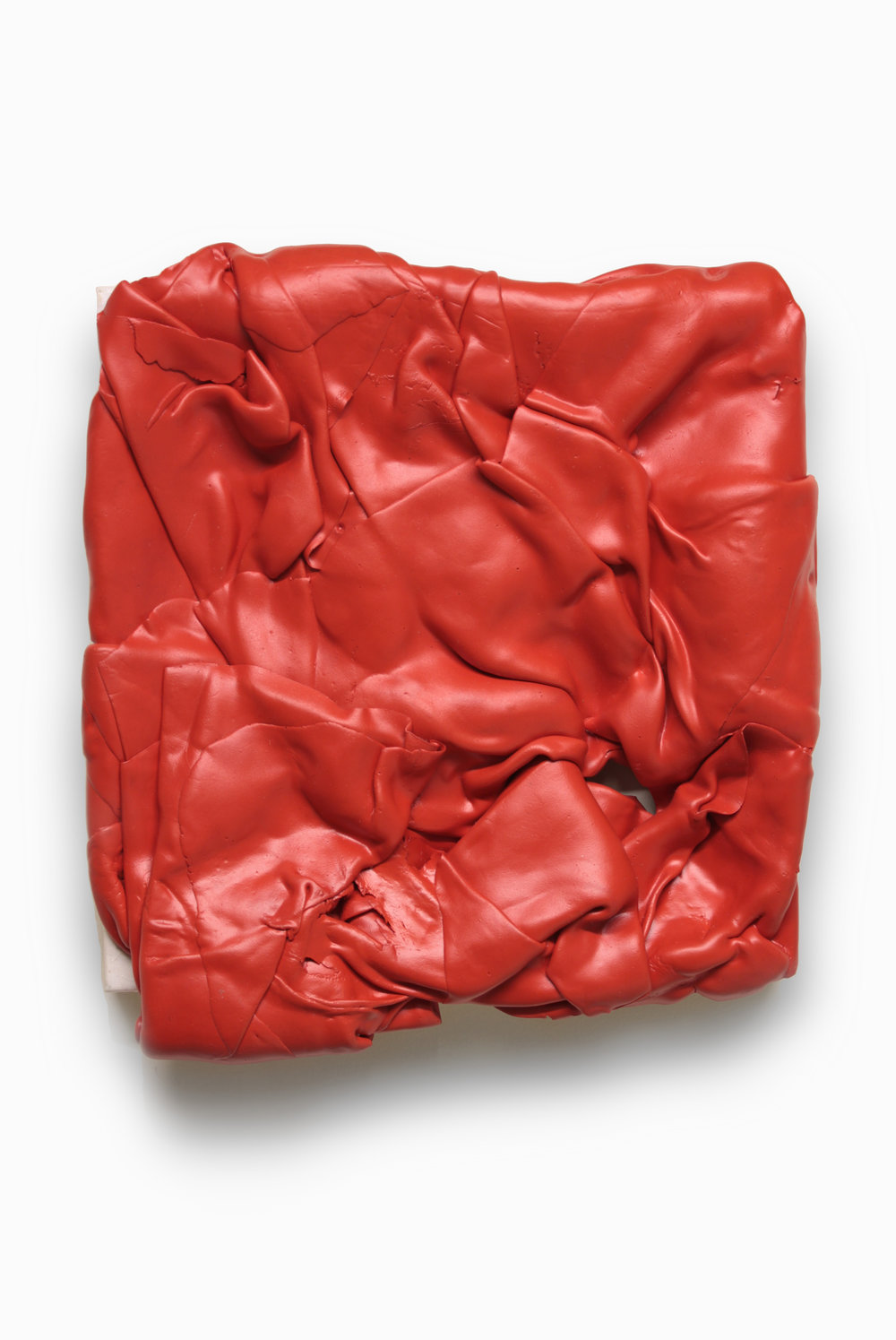 Untitled (Red)  , 2015  Acrilico sobre lienzo  33 x 35 x 7,5 cm