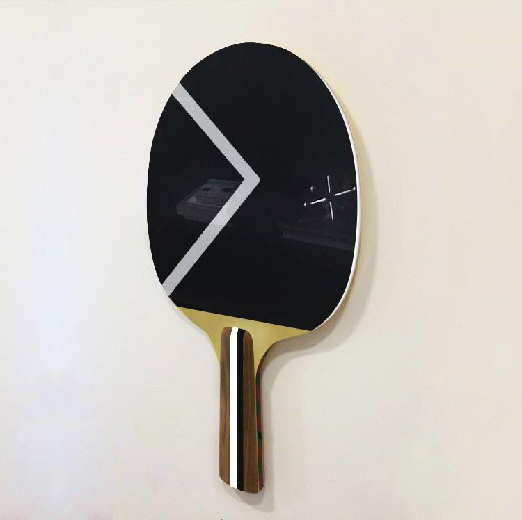 Ashe-Racket  , 2017  Pintura electrostática sobre metal y madera  163 x 131 cm