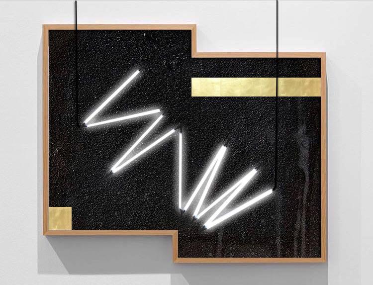 Sin título  ,2018 Zone 0 series,díptico Arena volcánica sobre madera, acrílico y tinta, iluminación de neón, lámina de oro 571.5 x 69.85 cm (medidas variables)