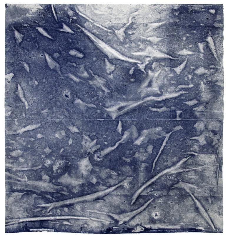 Maria Trabulo     Wine Dark Sea , 2016-2017  Agua de mar sobre tela.  150 x 150 cm