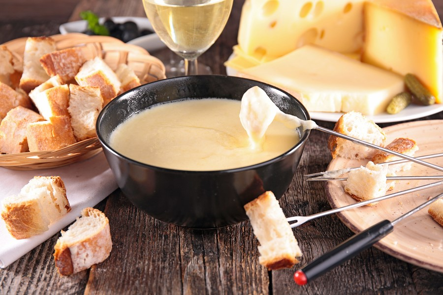 Cheese fondue for lunch? Yes please (especially if parents are picking up the bill!) Wine and dine in style. Image:  befitapps.com
