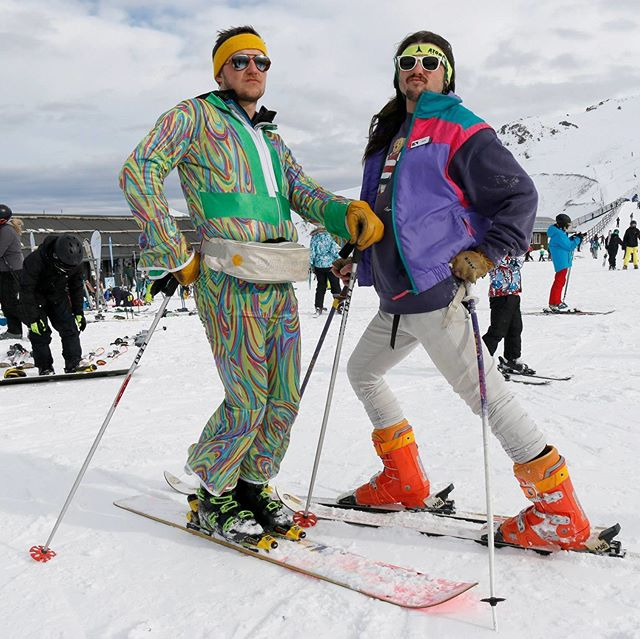 Psychedelic slope style at @mthuttnz - - - - - #Psychedelic #Onesie #Retro #SkiStyle #Fabulous #Chic