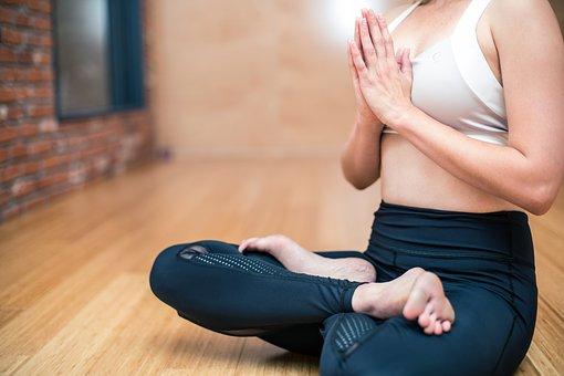 yoga-3053488__340.jpg