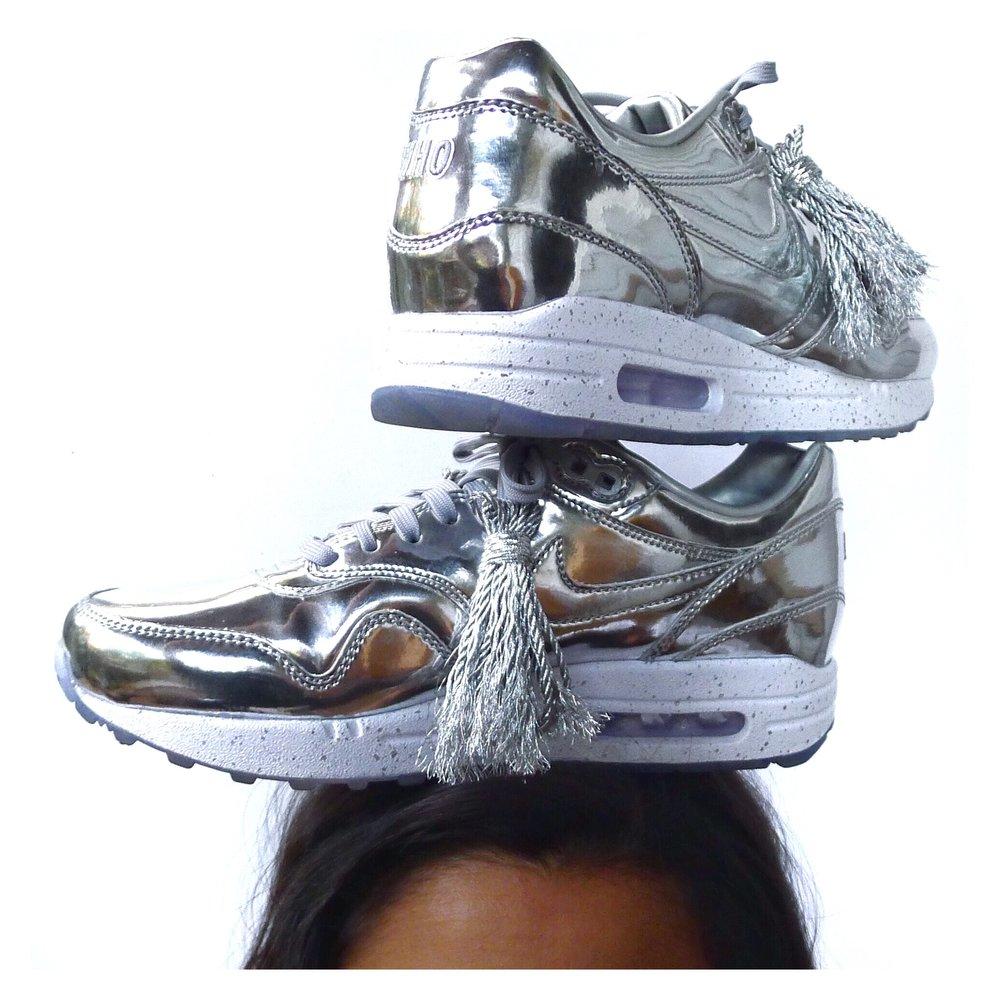 Nike_airmax_silver_tassels.jpg