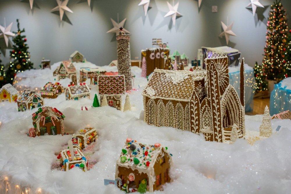 Gingerbread-Wonderland-Norway-House.jpg