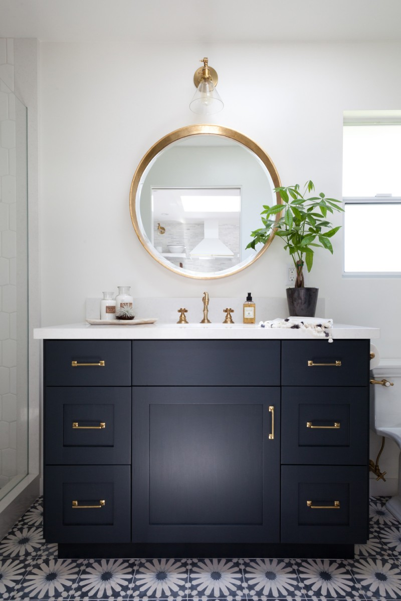 Bathroom Mirrors are Going Full Circle — Fox Homes