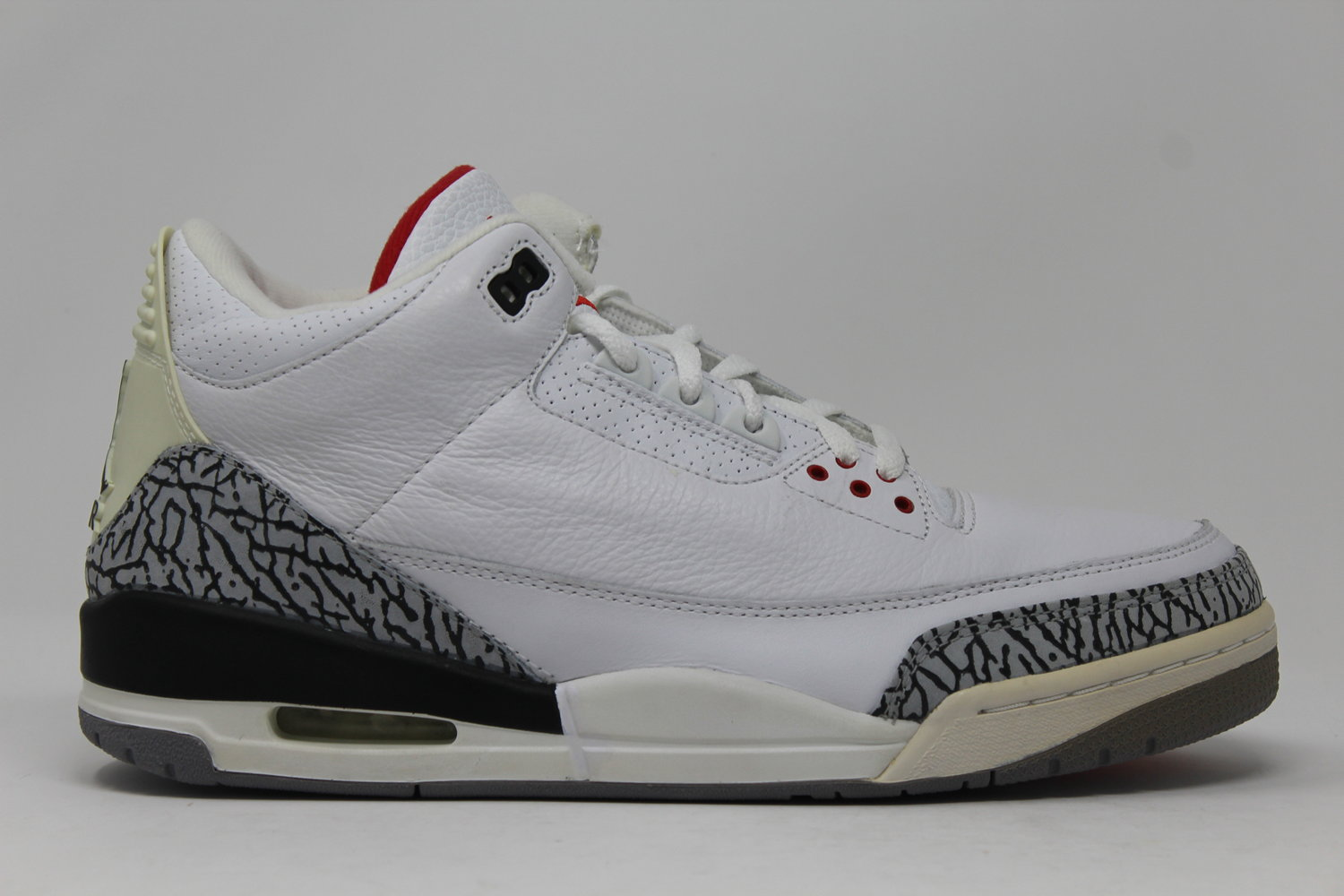 size 40 67bf7 51fb9 Jordan 3 Retro White Cement (2003)