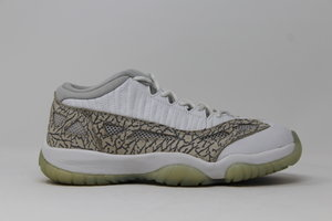 Air Jordan 11 Retro Low GS Cobalt 2003 ... 8bcbf802a