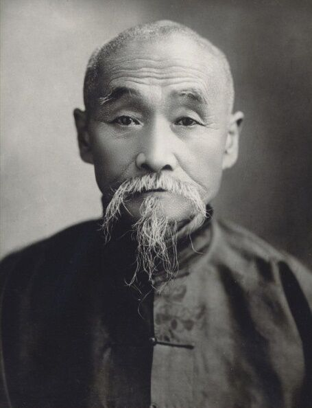 Wang Fengyi, a Manchurian subsistence farmer turned enlightened healer in the early twentieth century.