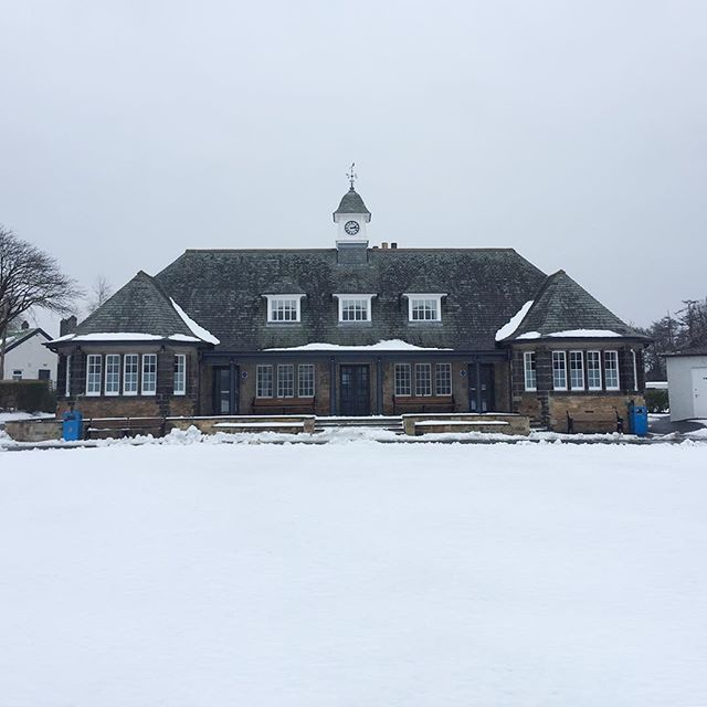 3️⃣9️⃣days to go until our first preseason friendly match ❄️#carltoncricketclub #beastfromtheeast #sawdust #snow #springsnow #cricketonice #cricketsweater #victorian #pavilion #edinburgh #scotland #inverleith