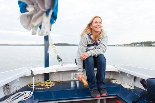 MICHELLE - Michelle is a proud Southern girl from Sweet Home Alabama. She sailed for the first time with a longtime friend in Hamburg, Germany in 2013 and was hooked.